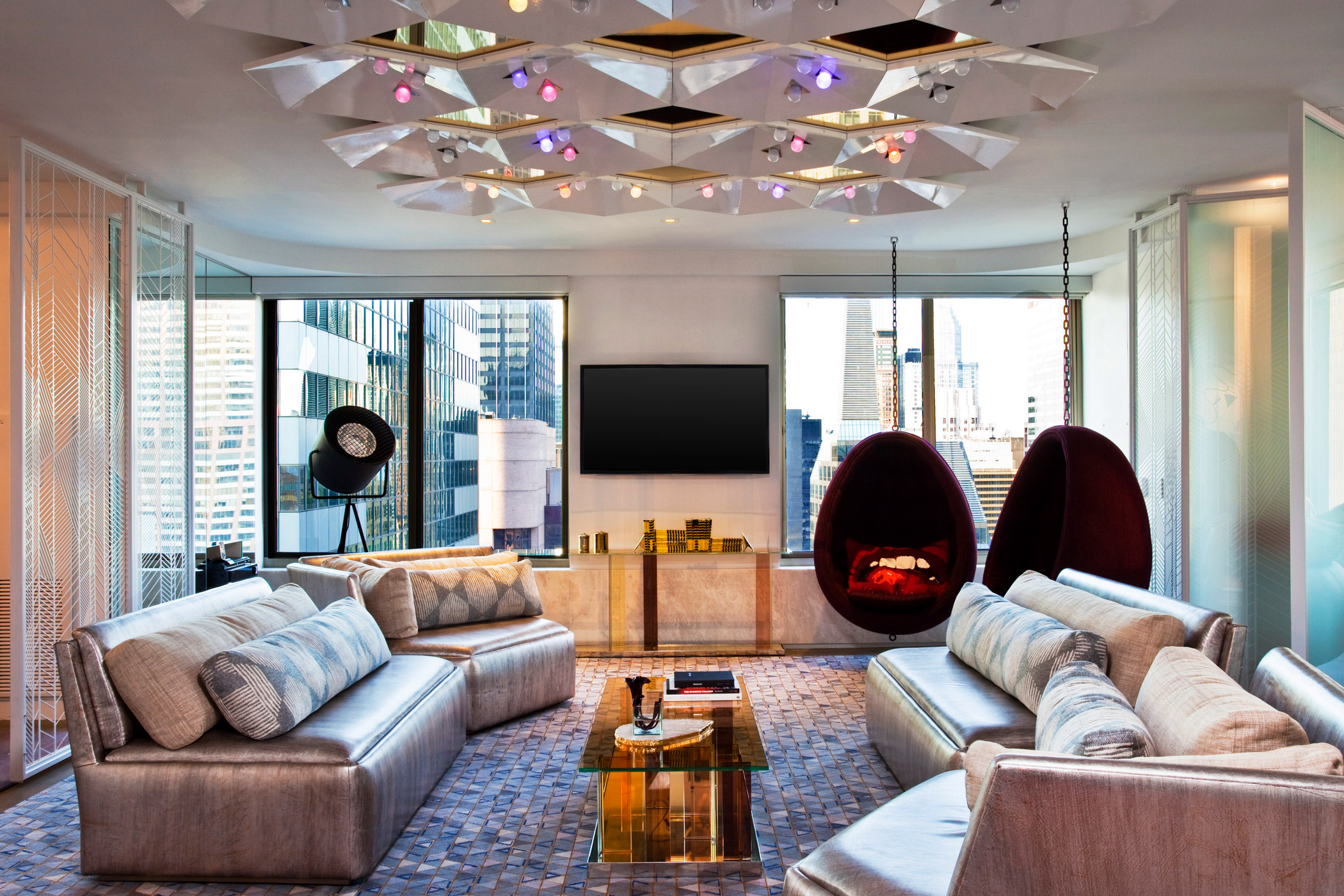 Discover The Extreme Wow Suite At W New York