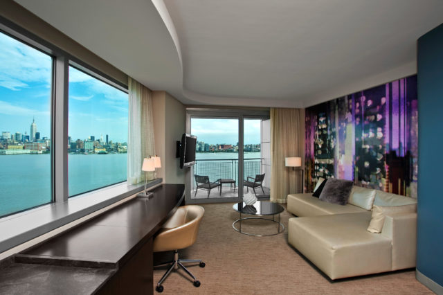 W Hotels of New York: W Hoboken - Fantastic Suite