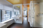 who3154gb-119918-e-wow-suite-bathroom