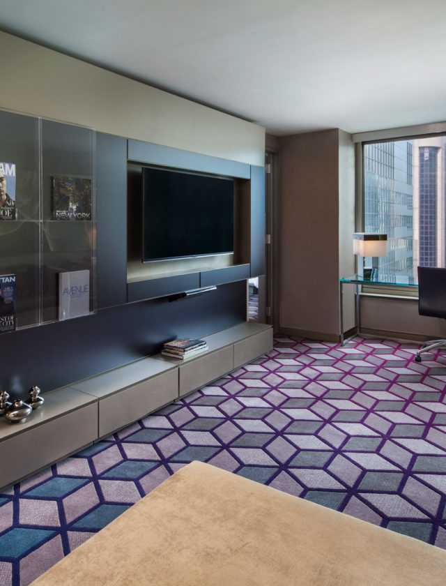 discover the extreme wow suite at w new york times square. Black Bedroom Furniture Sets. Home Design Ideas