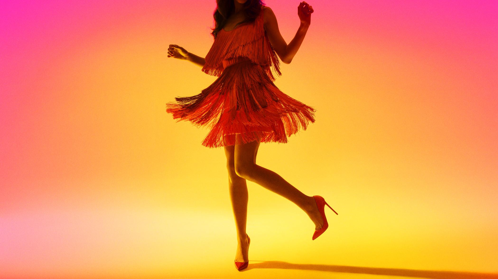 women's red sleeveless dress