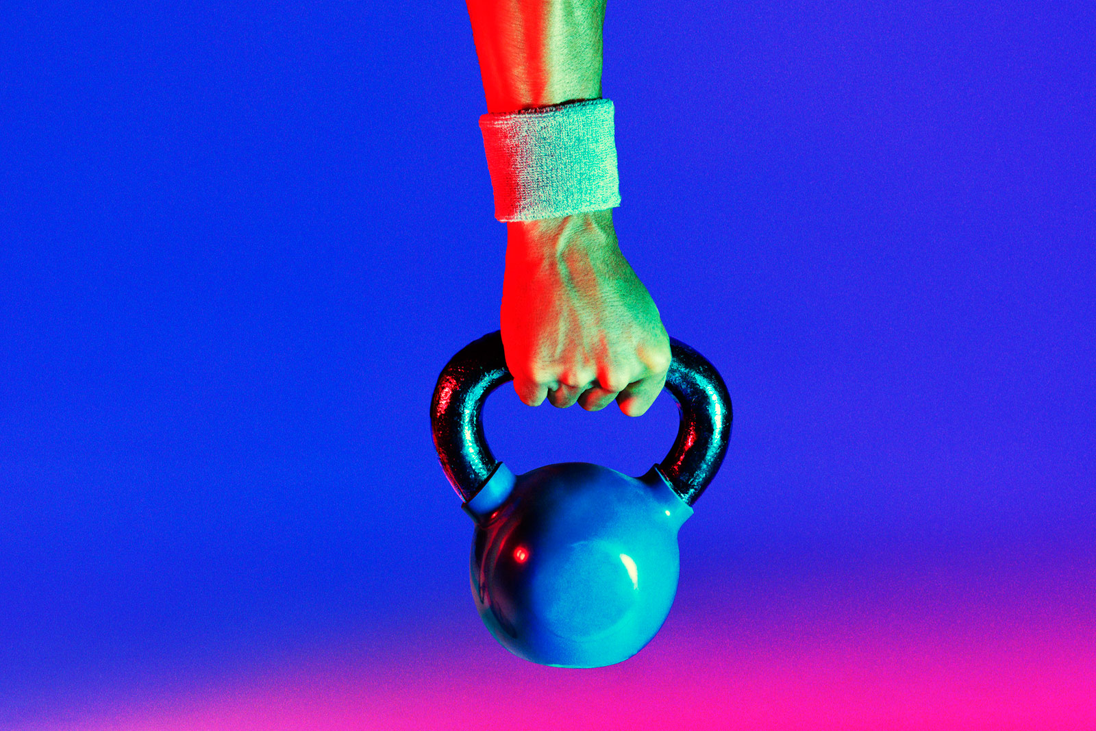 blue and black kettle bell