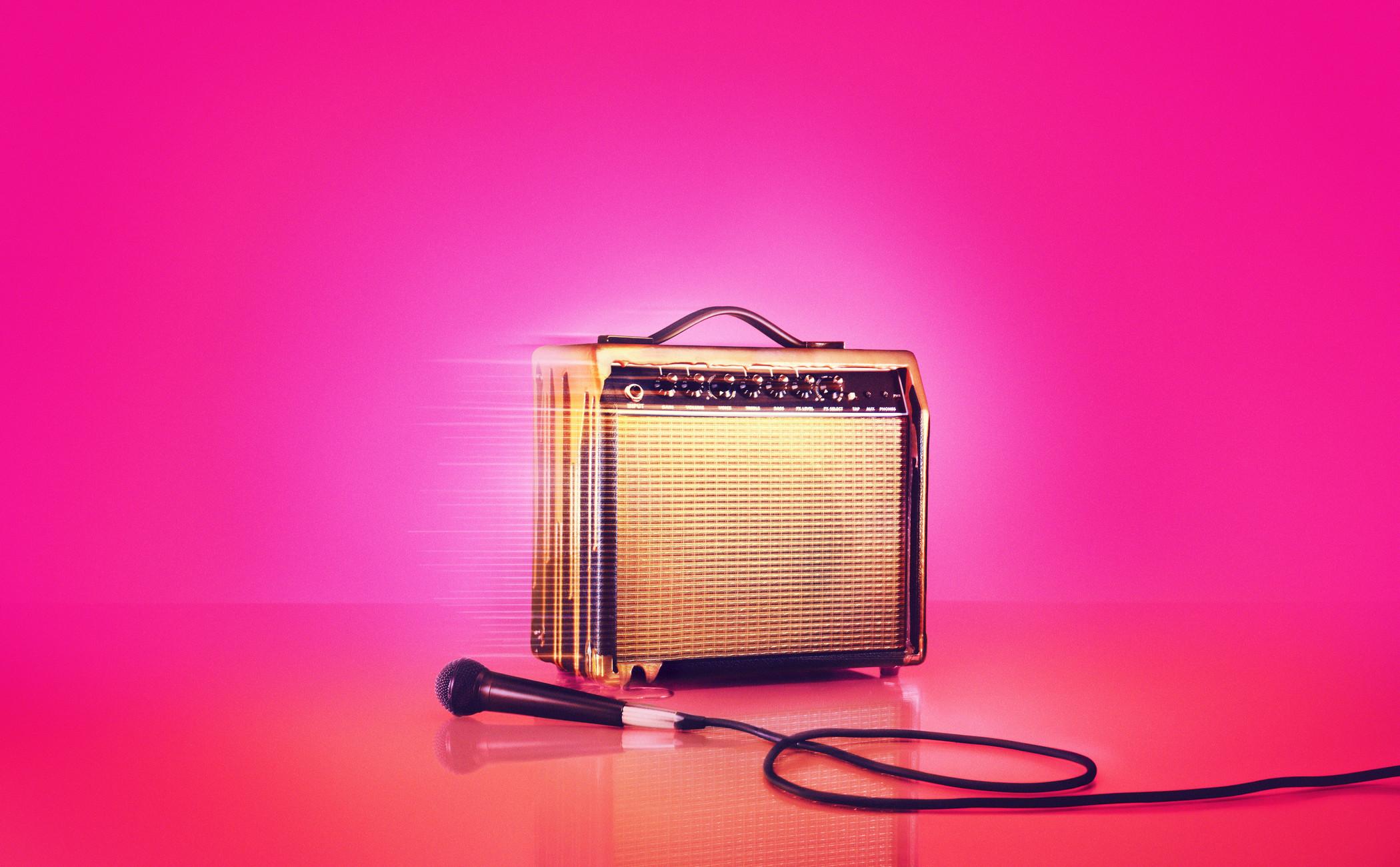 brown guitar amplifier